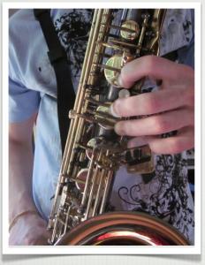saxophone overtones